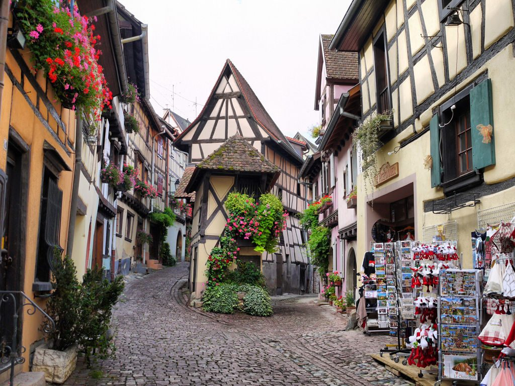 Eguisheim_-_Alsace_(France)
