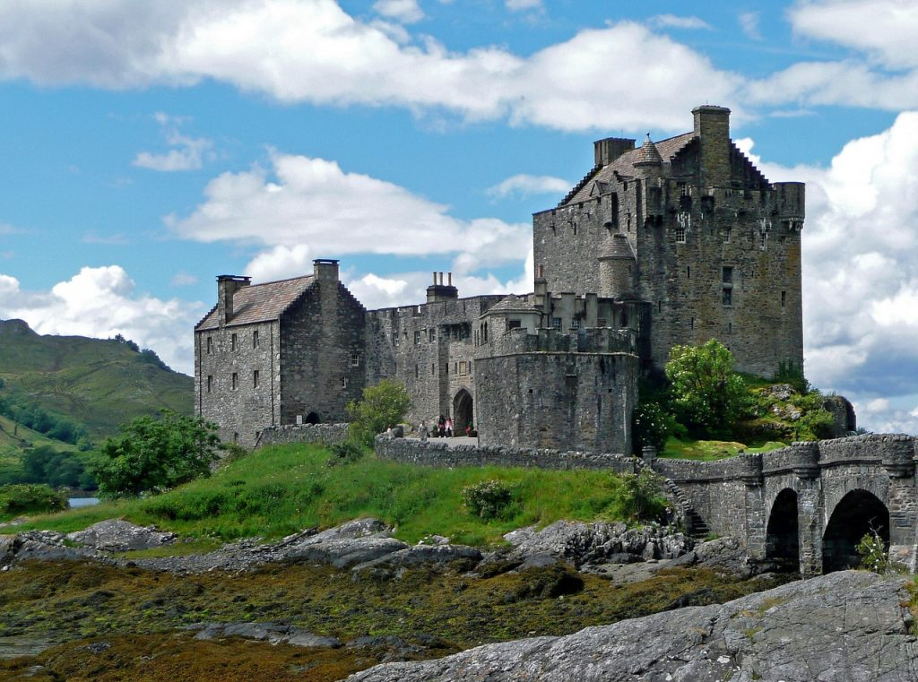 eilean-donan-castle-665557_1280